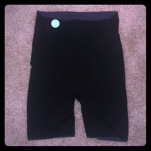 NWT SPANX Reversible Black and Navy Shaper 1X